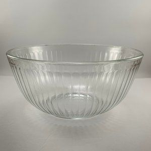 Pyrex Clear Ribbed 2.5-quart Mixing Bowl #7403-S